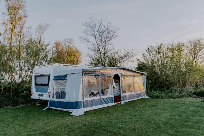 Surf-N-Sail-Makkum-VIP-Caravan-Verhuur