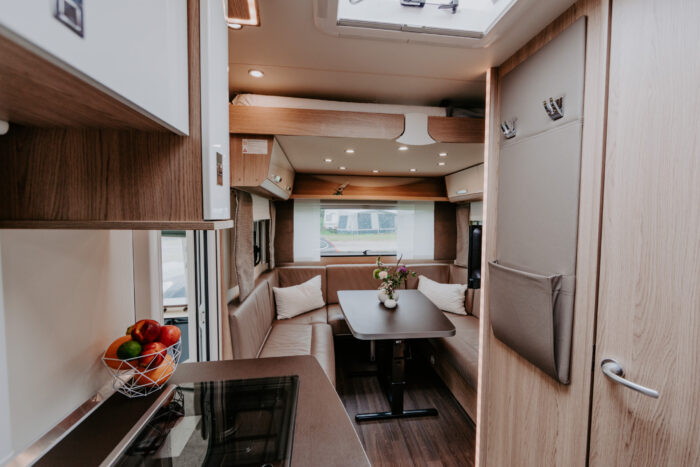 caravan-interieur-surf-n-sail-makkum-fotograaf-jessie-jansen-13