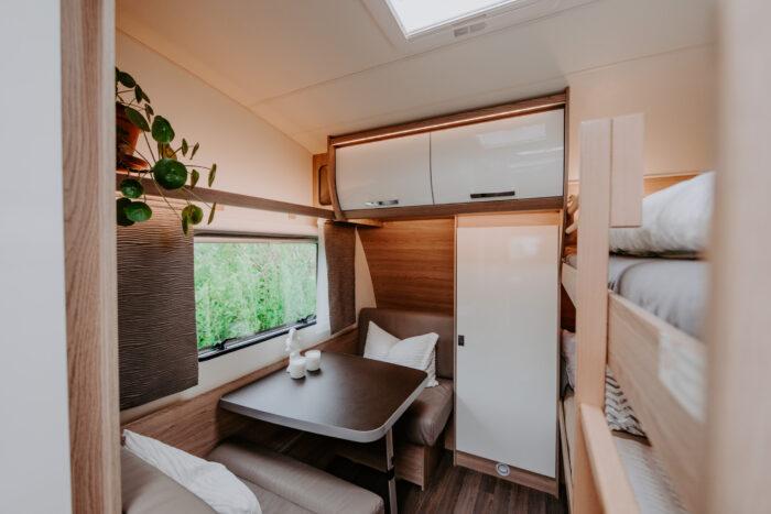 caravan-interieur-surf-n-sail-makkum-fotograaf-jessie-jansen-14