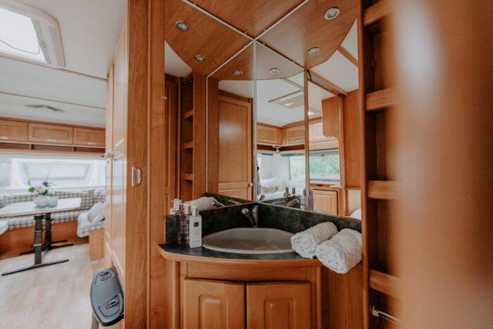 caravan-interieur-surf-n-sail-makkum-fotograaf-jessie-jansen-3