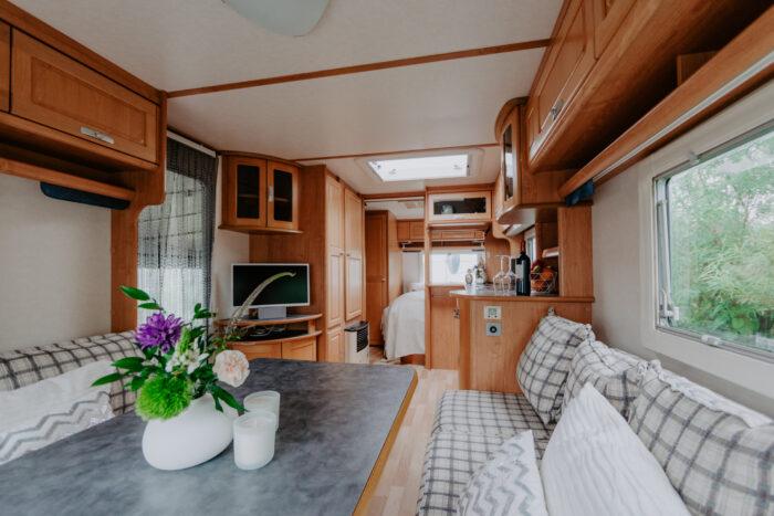 caravan-interieur-surf-n-sail-makkum-fotograaf-jessie-jansen-7